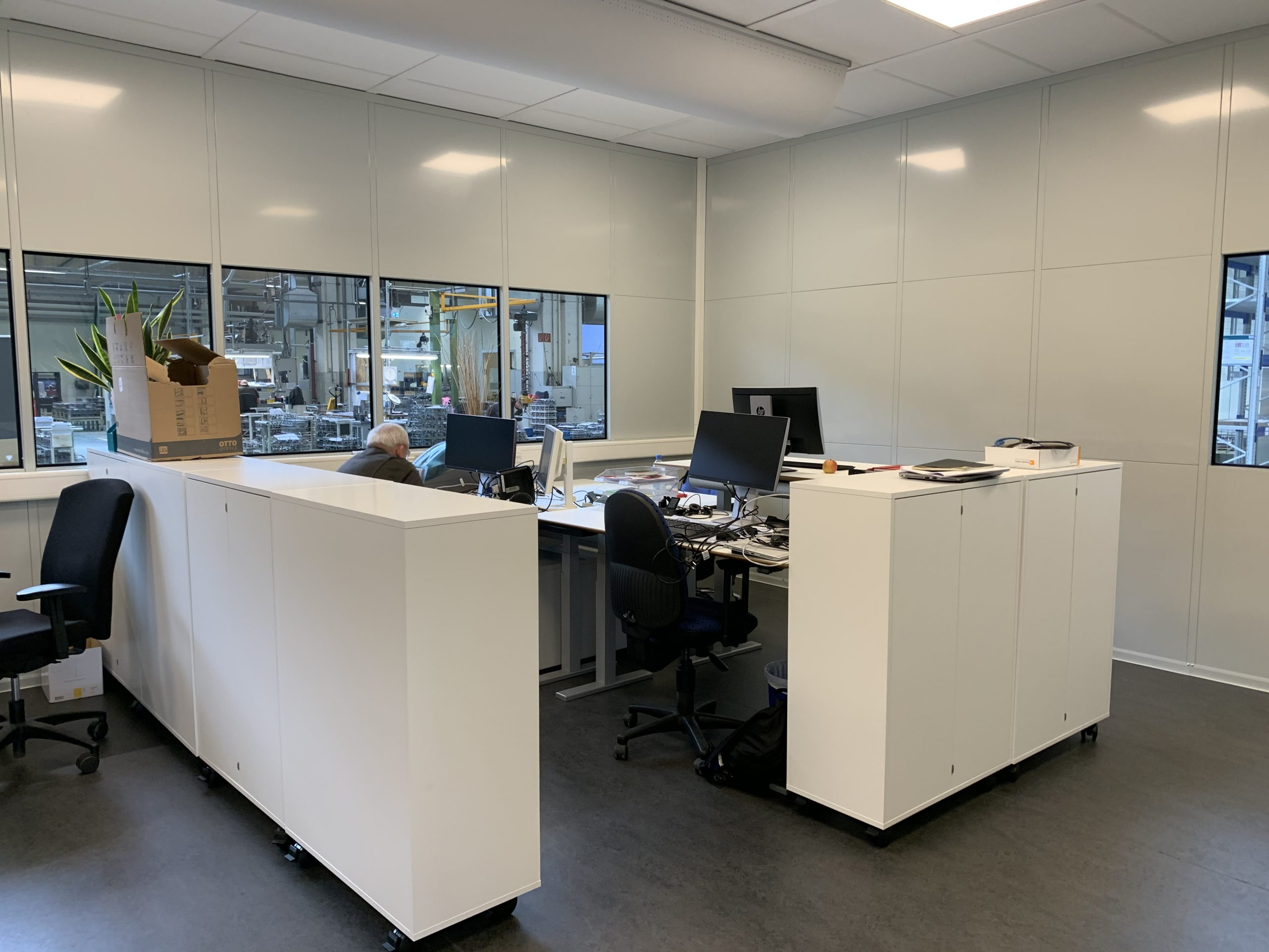 Kontor i produktionsmiljø