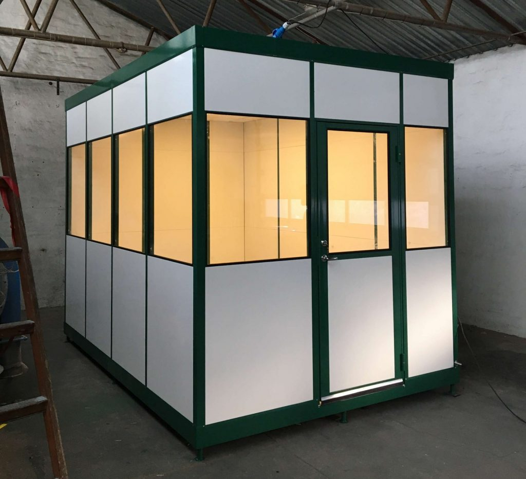 Flytbare MATADOR rum kan leveres komplet med, elinstallation, ventilation og lysarmaturer. Flyttes til ny position og nye opgaver på få minutter.